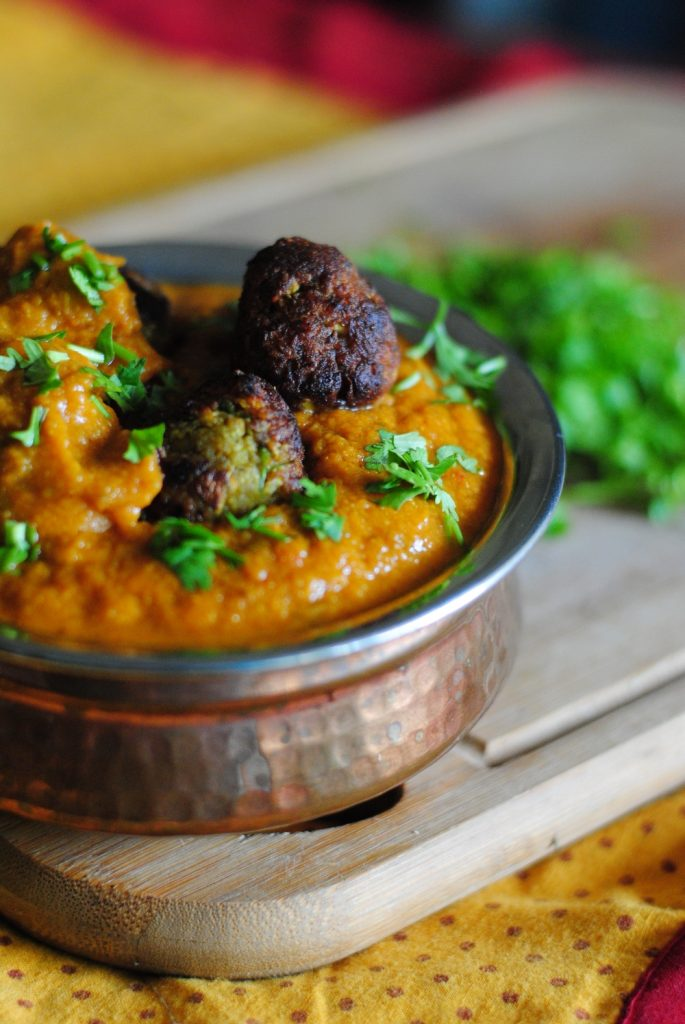 A healthy non fried recipe of Lauki Kofta made in an appe pan. Serve it hot with roti or rice. Eat it without the guilt or thought of fried food